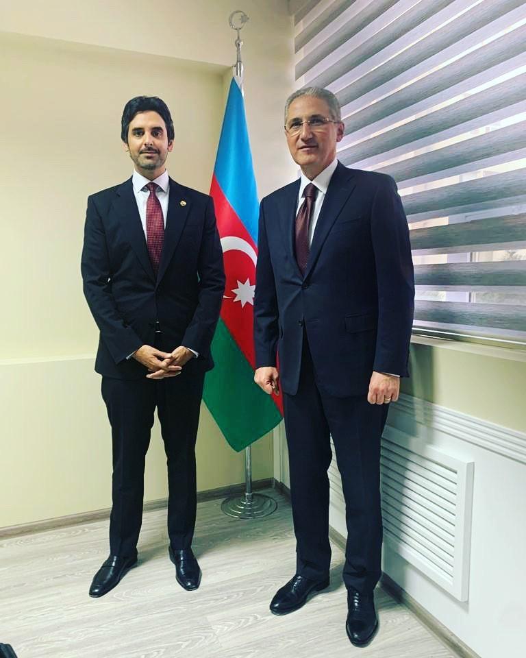 وزير البيئة والموارد الطبيعية بجمهورية أذربيجان يجتمع مع سفير دولة قطر