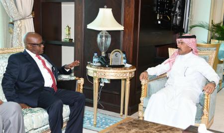 الأمين العام لوزارة الخارجية يجتمع مع وكيل وزارة الخارجية الصومالي