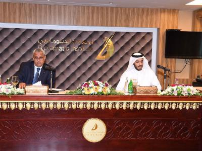 في محاضرة بالمعهد الدبلوماسي السفير الجزائري يدعو لحل الأزمة الخليجية عبر الحوار