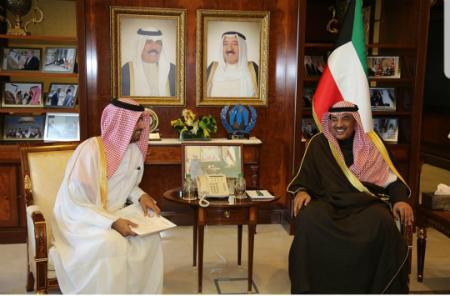 رسالة من نائب رئيس مجلس الوزراء وزير الخارجية لنظيره الكويتي