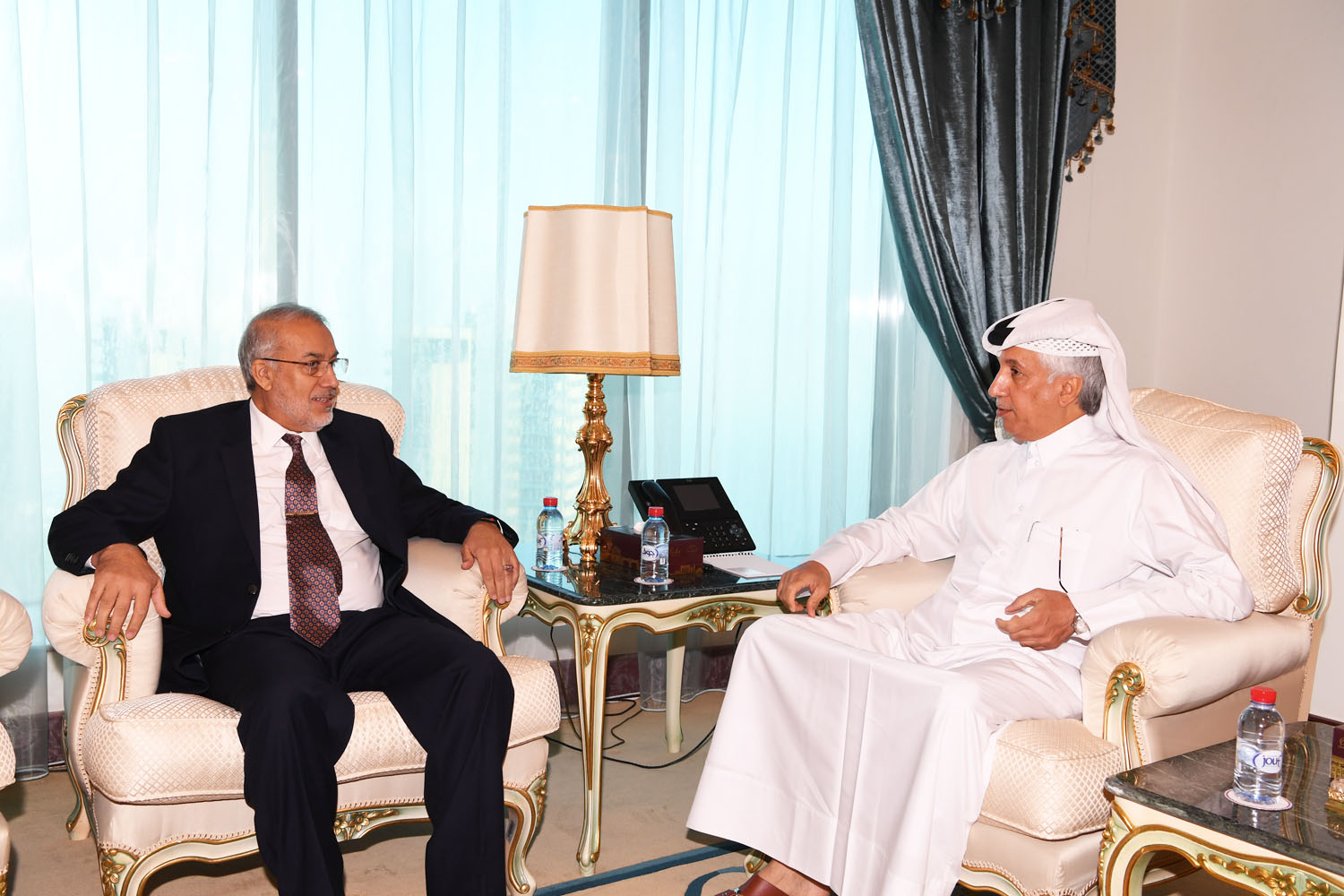 Deputy Premier and Foreign Minister Receives Written Message from Afghan Foreign Minister