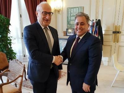سمو الأمير يبعث برسالة إلى الرئيس الفرنسي