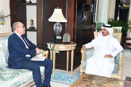 HH the Amir Receives Written Message from President of Tunisia