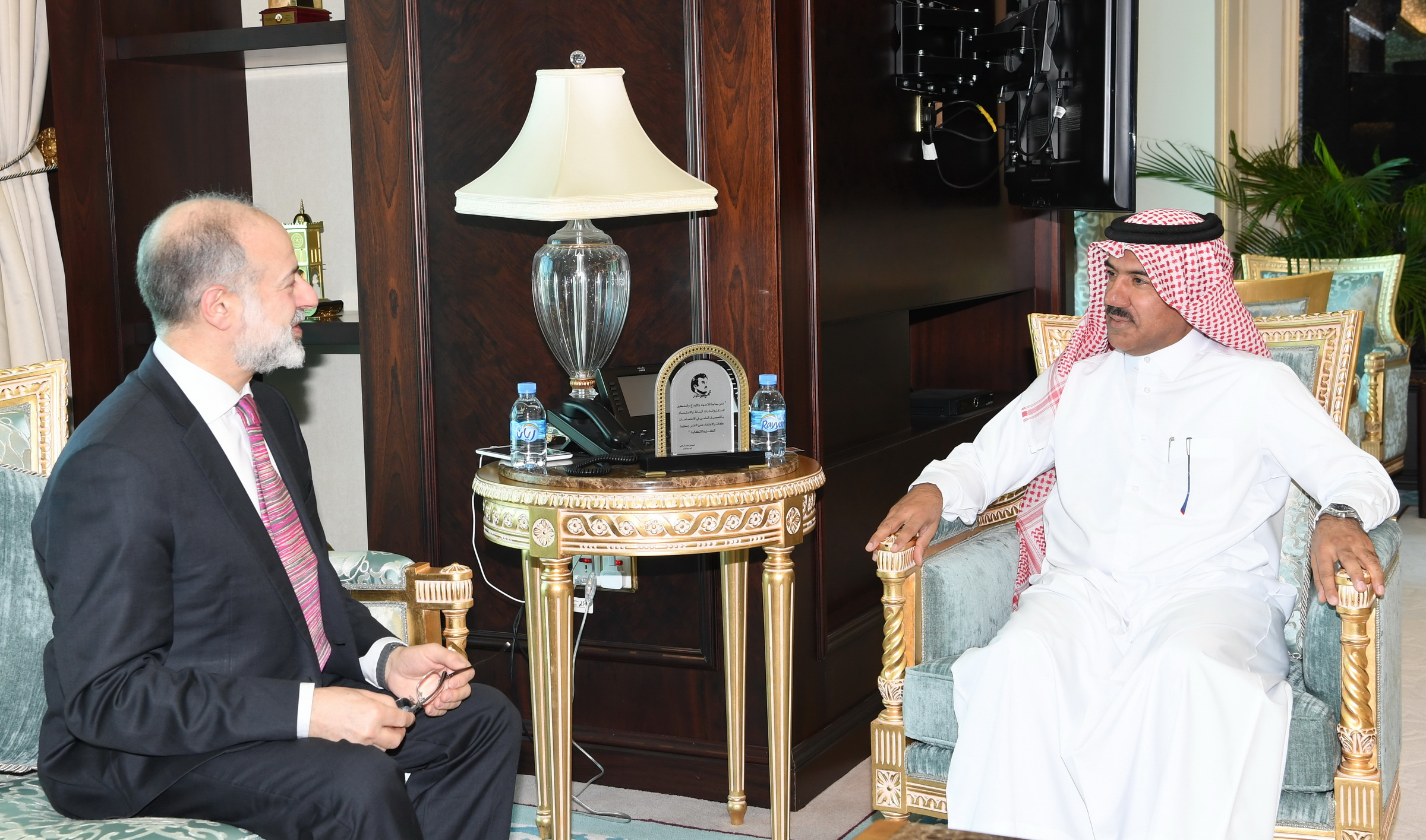 Foreign Ministry Secretary-General Meets UK's Shadow Minister for Peace and Disarmament
