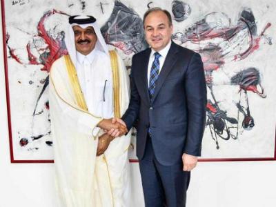 نائب رئيس الوزراء بجمهورية كوسوفا يجتمع مع سفير دولة قطر