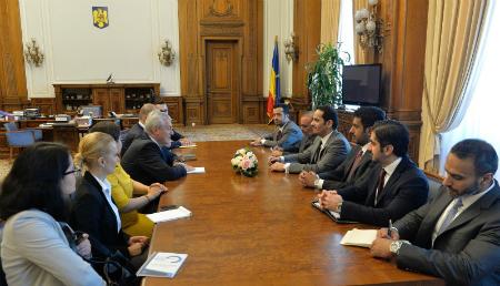 نائب رئيس الوزراء وزير الخارجية يجتمع مع رئيس مجلس الشيوخ الروماني