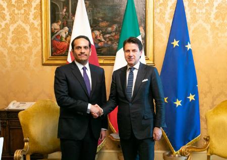 نائب رئيس مجلس الوزراء وزير الخارجية يجتمع مع رئيس الوزراء الإيطالي