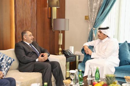 نائب رئيس مجلس الوزراء وزير الخارجية يجتمع مع وزير التعليم العالي والبحث العلمي العراقي