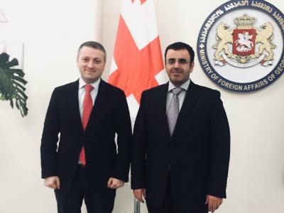 نائب وزير الخارجية الجورجي يجتمع مع سفير دولة قطر