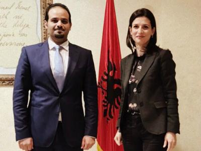 وزيرة العدل الألبانية تجتمع مع القائم بالأعمال بالإنابة القطري