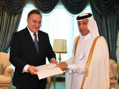 وزير الدولة للشؤون الخارجية يتسلم نسخة من أوراق اعتماد سفير جمهورية كرواتيا