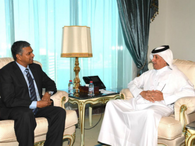 وزير الدولة للشؤون الخارجية يجتمع مع سفير جمهورية الهند
