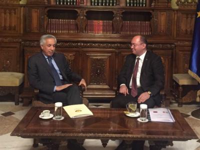 وزير الدولة  للشؤون الخارجية يجتمع مع مستشار رئيس رومانيا للسياسة الخارجية