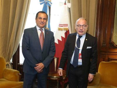 وزير خارجية الأرجنتين يجتمع مع سفير قطر