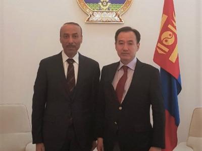 وزير خارجية منغوليا يجتمع مع سفير دولة قطر