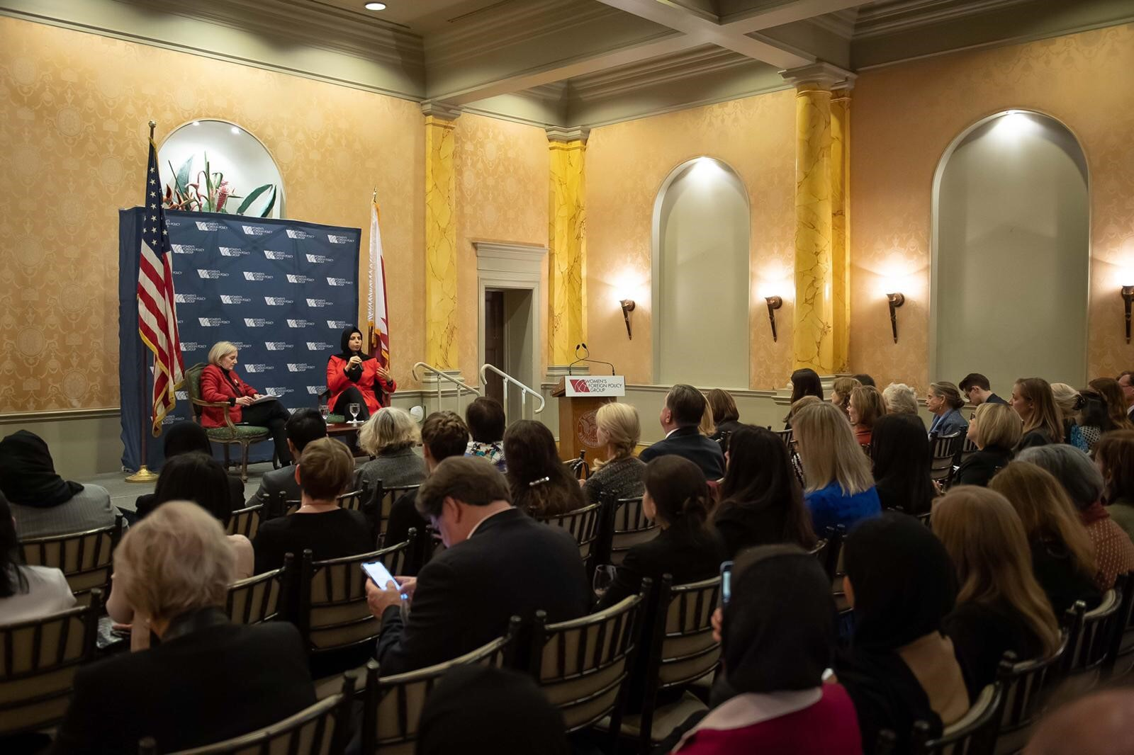 المتحدث الرسمي باسم وزارة الخارجية تجتمع مع مسؤولين أمريكيين
