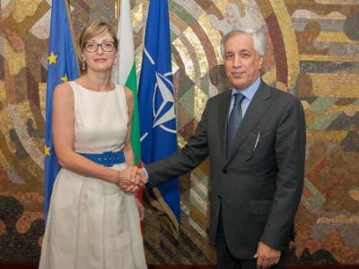 وزير الدولة للشؤون الخارجية يجتمع مع نائبة رئيس وزراء بلغاريا