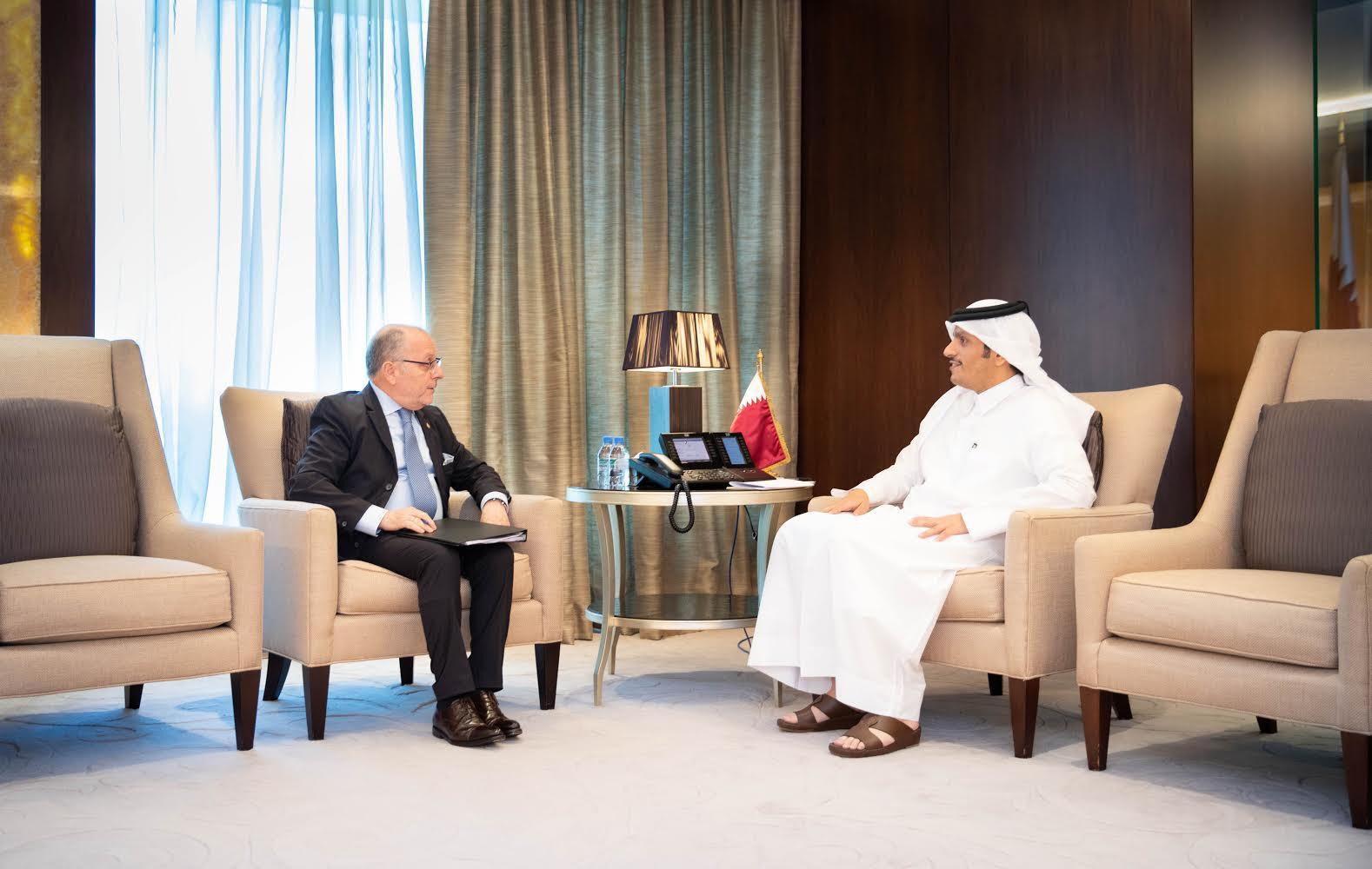 نائب رئيس مجلس الوزراء وزير الخارجية يجتمع مع وزير الخارجية وشؤون العبادة الأرجنتيني