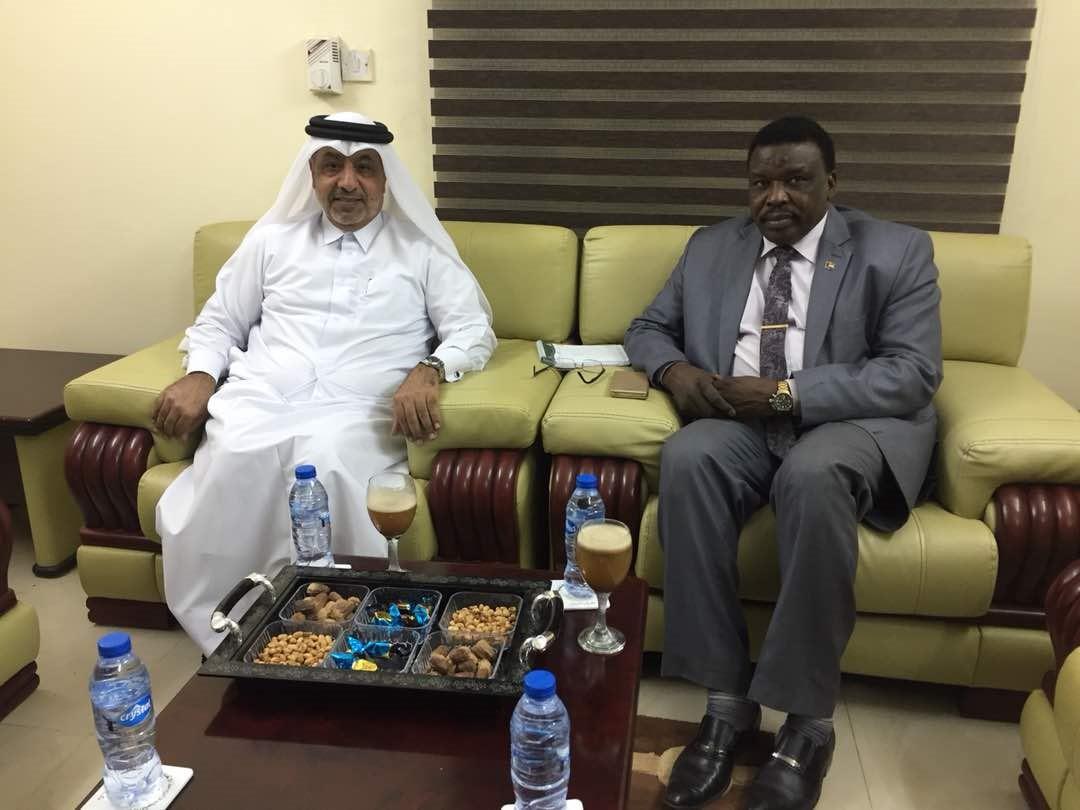 وزير الشباب والرياضة السوداني يجتمع مع سفير قطر