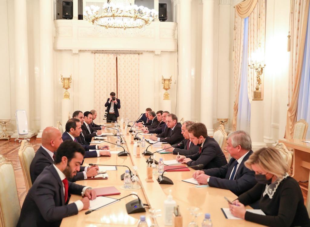 نائب رئيس مجلس الوزراء وزير الخارجية يجتمع مع وزير الخارجية الروسي