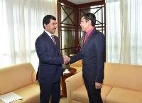 Secretary General of Ministry of Foreign Affairs Meets Singapore's Minister of State for Defense, Foreign Affairs