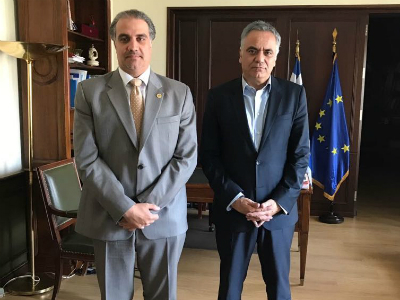 وزير الداخلية اليوناني يجتمع مع سفير قطر