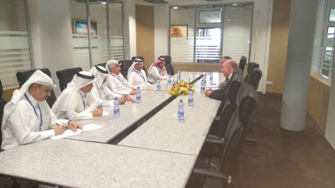 وزير الدولة للشؤون الخارجية يجتمع مع مفوض مجلس السلم والأمن الإفريقي
