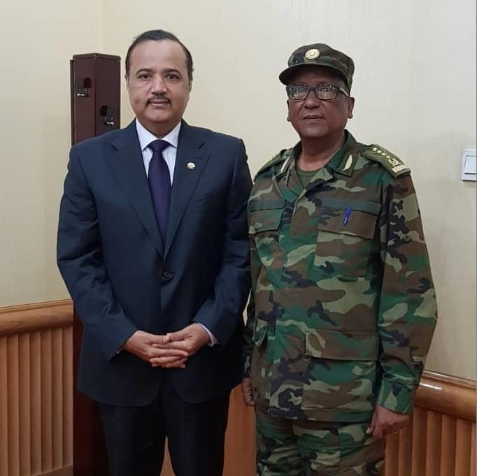 رئيس هيئة الأركان الإثيوبي يجتمع مع سفير دولة قطر