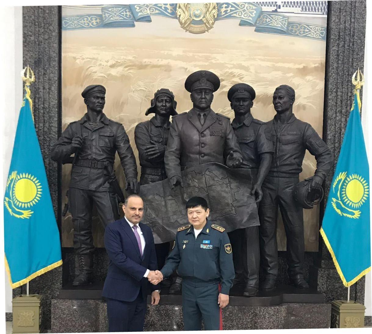 نائب وزير الدفاع الكازاخستاني يجتمع مع سفير قطر