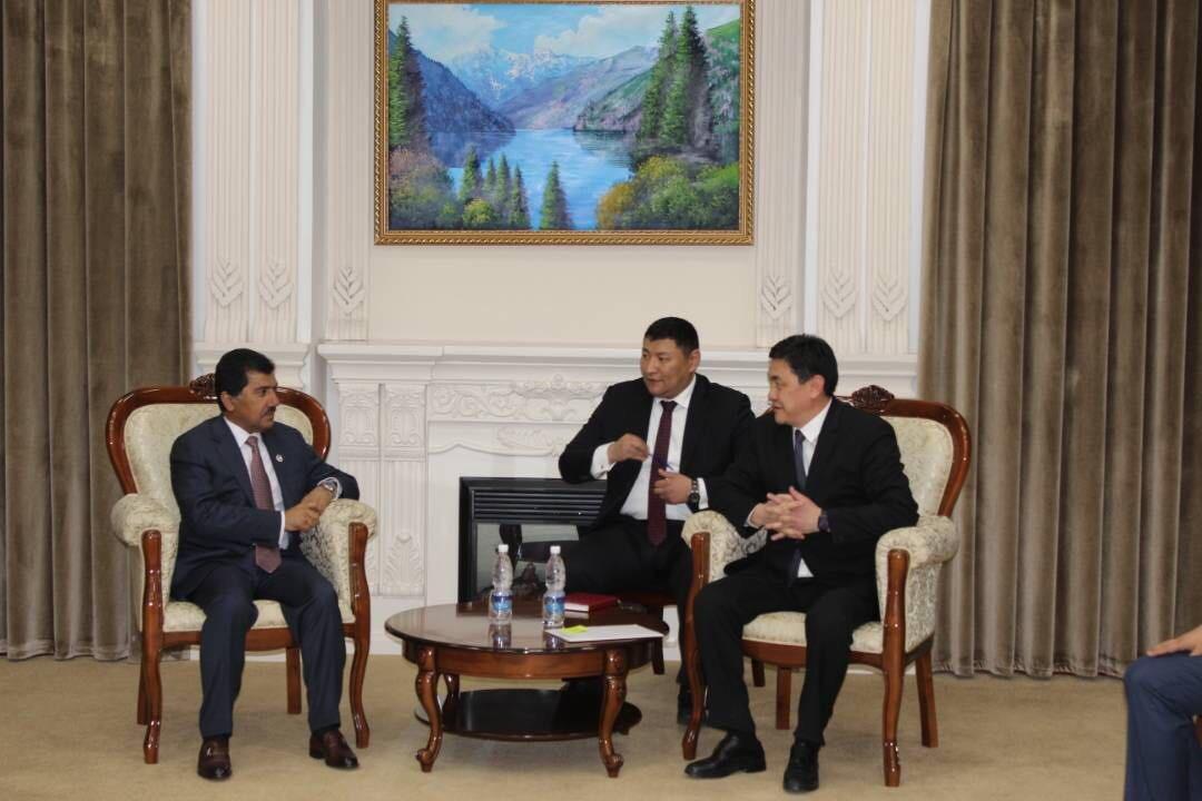 الأمين العام لوزارة الخارجية يجتمع مع نائب رئيس الوزراء القيرغيزي للشؤون الاقتصادية
