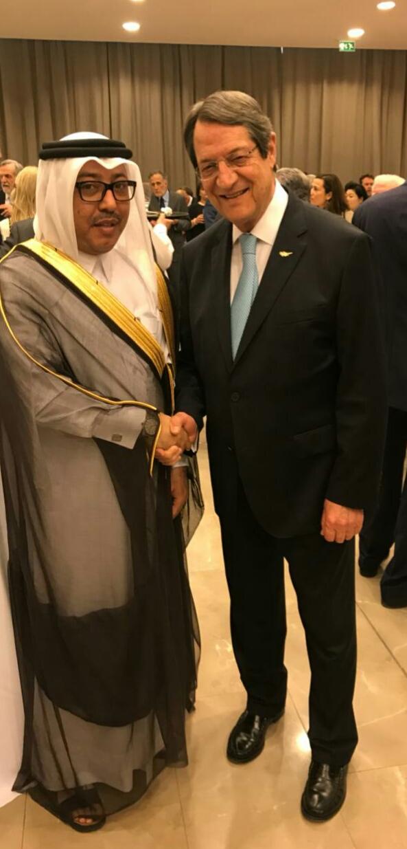 الرئيس القبرصي يستقبل سفير قطر