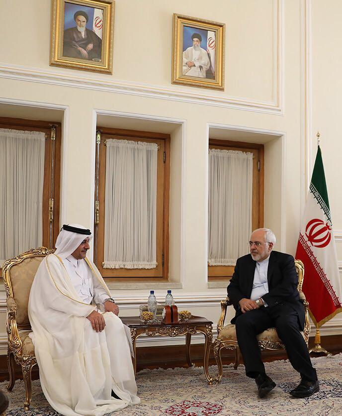 وزير الخارجية الإيراني يستقبل سفير قطر