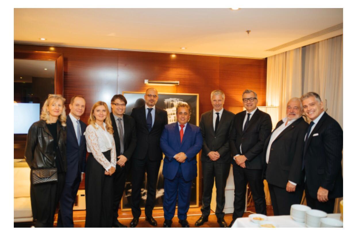 سفير قطر يجتمع مع رئيس وأعضاء الحلقة الاقتصادية القطرية الفرنسية
