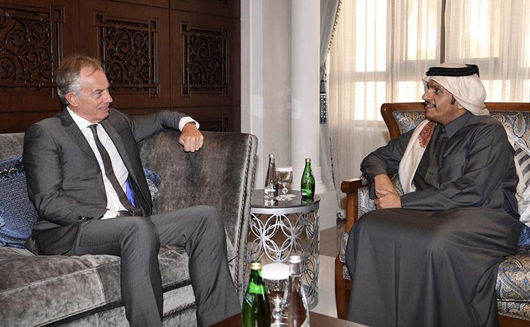 سعادة وزير الخارجية يلتقي توني بلير