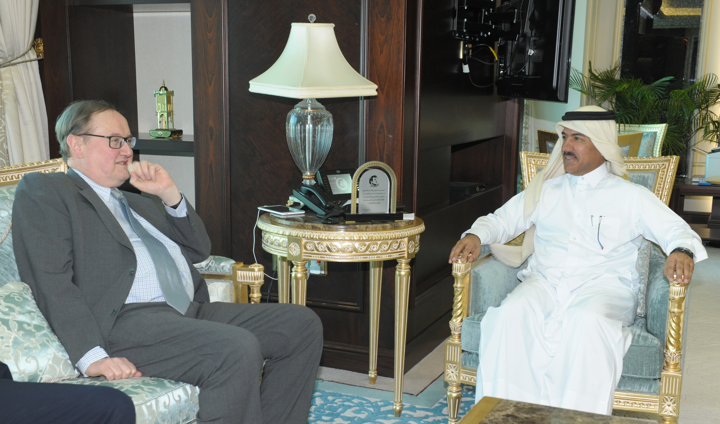 Foreign Ministry's Secretary General Meets French Ministerial Delegate for Mediterranean