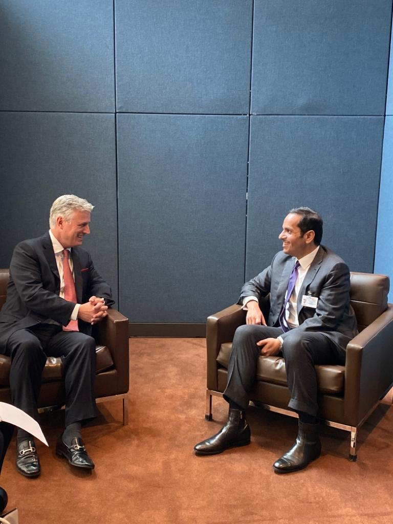 نائب رئيس مجلس الوزراء وزير الخارجية يجتمع مع مستشار الأمن القومي الأمريكي