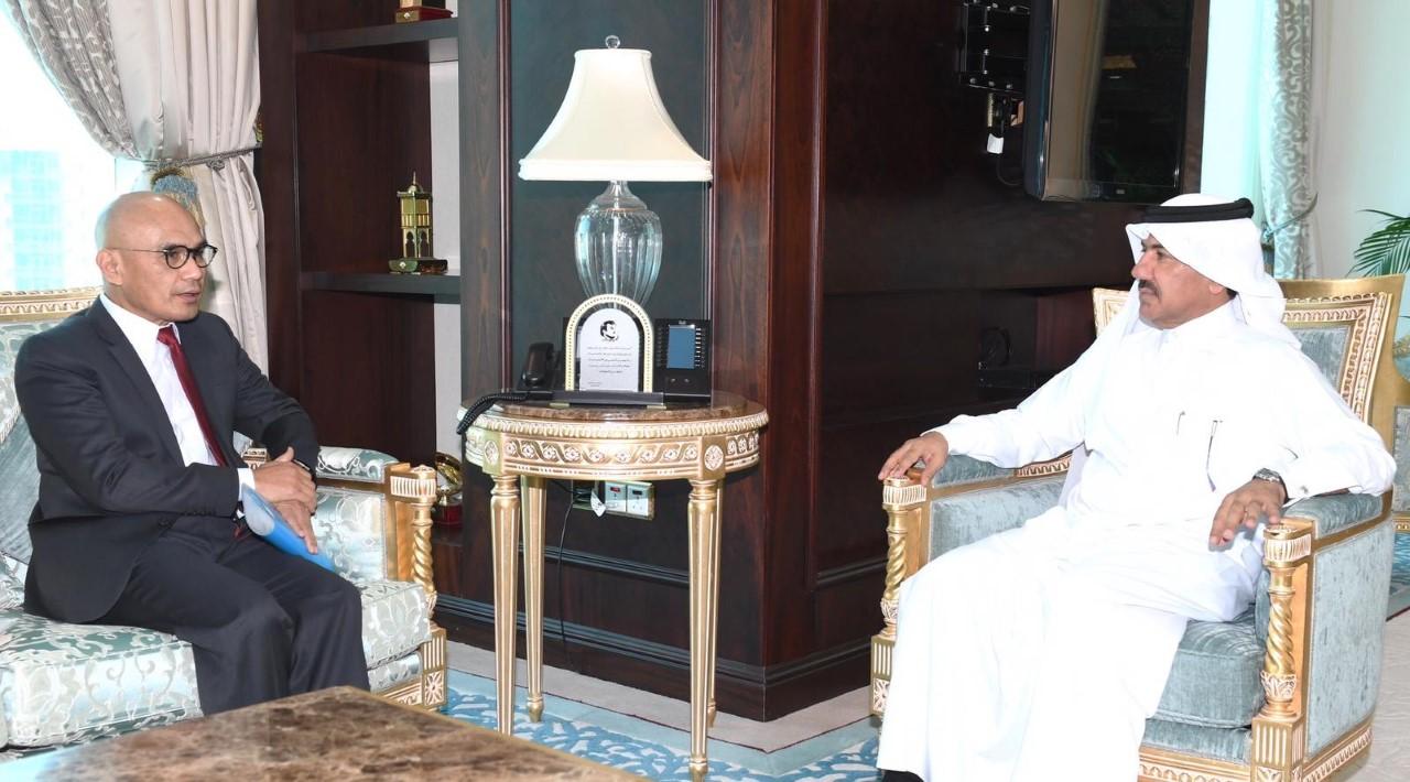 نائب رئيس مجلس الوزراء وزير الخارجية يتلقى رسالة خطية من وزيرة الشؤون الخارجية الإندونيسية