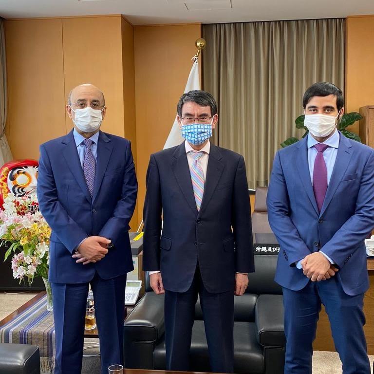 وزير الإصلاح الإداري والتنظيمي الياباني يجتمع مع سفير دولة قطر