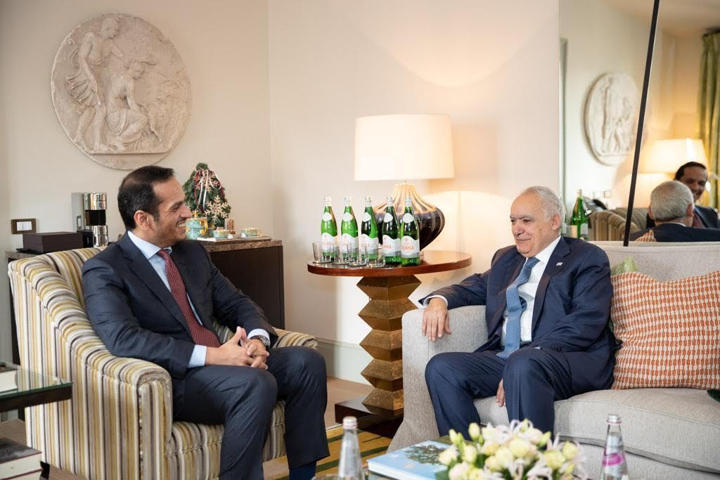 نائب رئيس مجلس الوزراء وزير الخارجية يجتمع مع وزير الخارجية الإيطالي والمبعوث الأممي الخاص إلى ليبيا