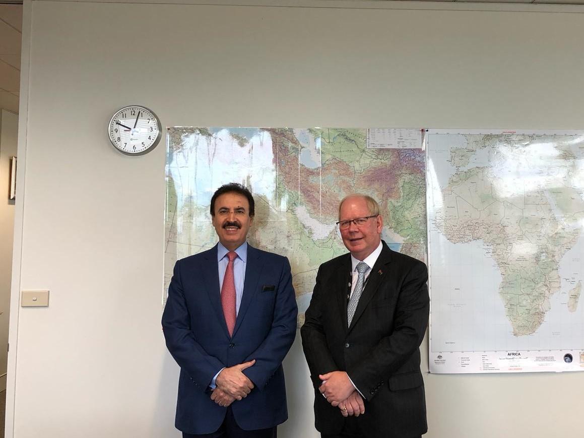 مسؤول أسترالي يجتمع مع سفير قطر