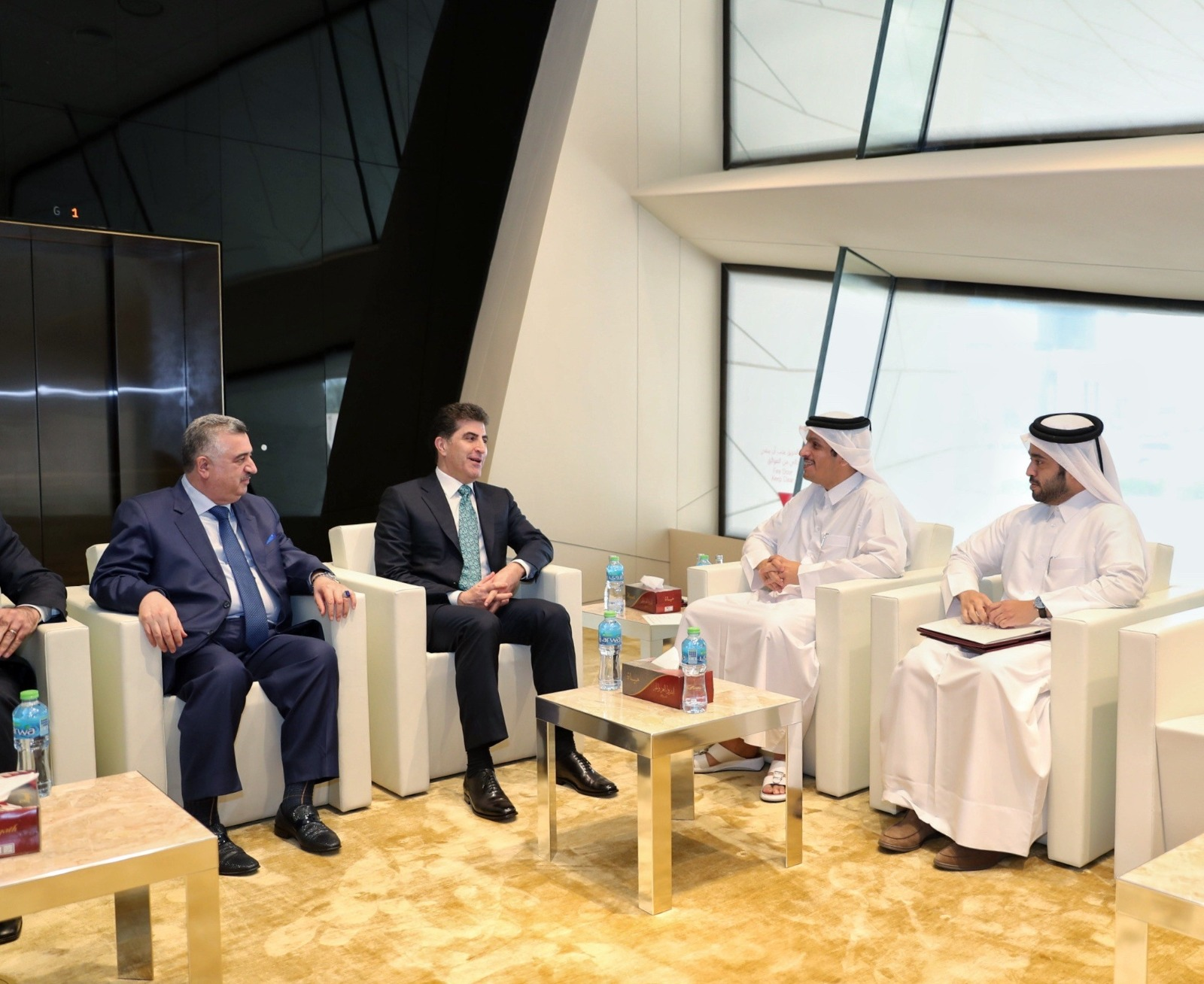 نائب رئيس مجلس الوزراء وزير الخارجية يجتمع مع رئيس إقليم كردستان العراق