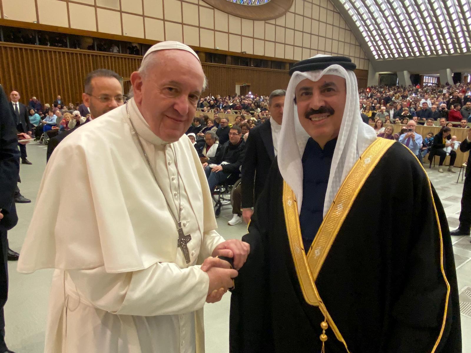 بابا الفاتيكان يستقبل سفير قطر
