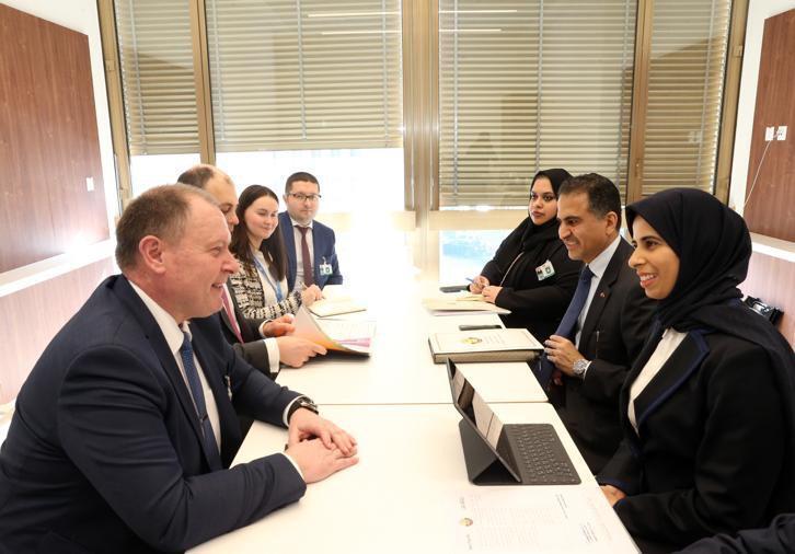 مساعد وزير الخارجية تجتمع بعدد من المسؤولين
