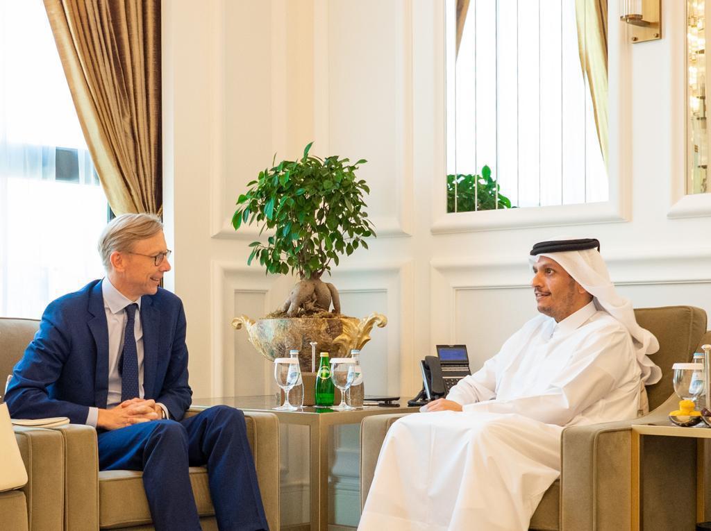 نائب رئيس مجلس الوزراء وزير الخارجية يجتمع مع الممثل الخاص الأمريكي لإيران وكبير مستشاري وزير الخارجية الأمريكي