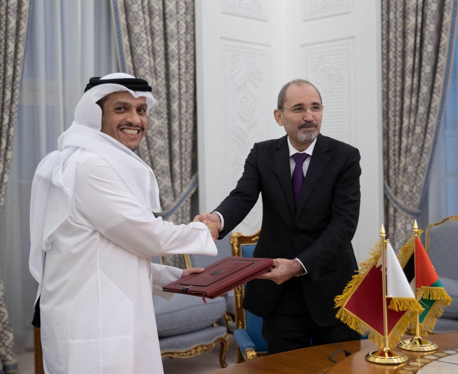 نائب رئيس مجلس الوزراء وزير الخارجية ونظيره الأردني يوقعان اتفاقية ومذكرة تفاهم