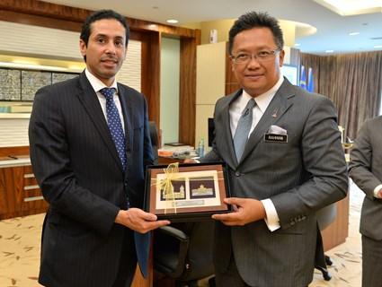 Malaysian Minister Meets HE Qatar's Ambassador