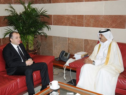 Lebanese Education Minister Meets Qatar's Ambassador