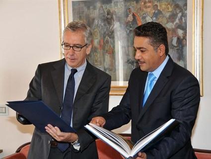 رئيس إقليم جزيرة سردينيا وعمدة كالييري يلتقيان سفير قطر لدى روما