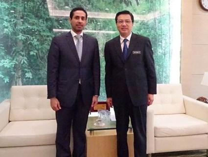 وزير النقل الماليزي يستقبل سفير قطر