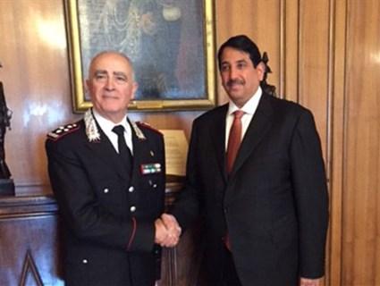 قائد قوات سلاح الدرك الإيطالي يجتمع مع سفير قطر